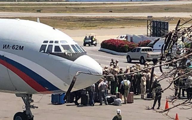 Rusiya Venesuelaya 100-ə yaxın əsgər və 35 ton avadanlıq göndərdi
