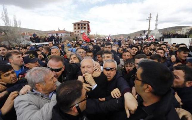 Kamal Kılıçdaroğluna hücum oldu