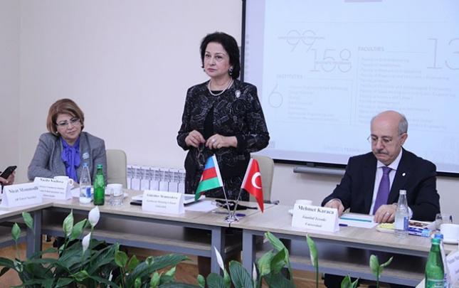 AzMİU-da universitet rəhbərlərinin iştirakı ilə dəyirmi masa keçirilib