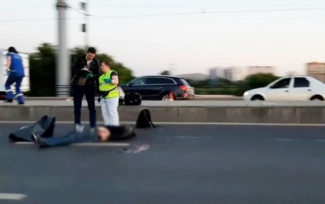 """""""Toyota"""" ilə piyadanı vurub öldürdü"""