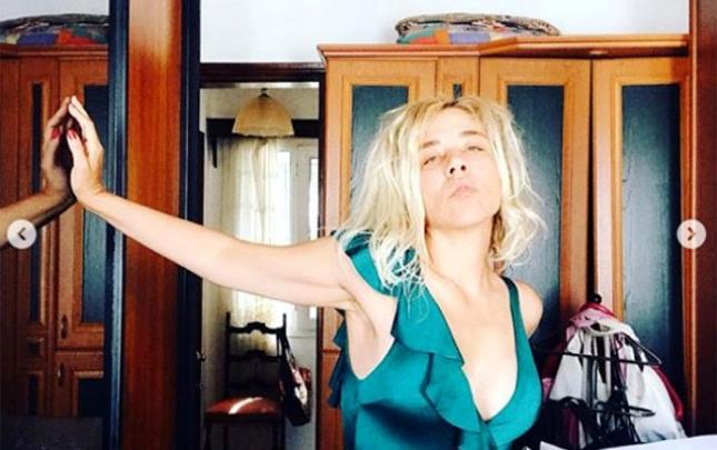 58 kiloqram arıqlayan aktrisadan dekolteli paylaşım