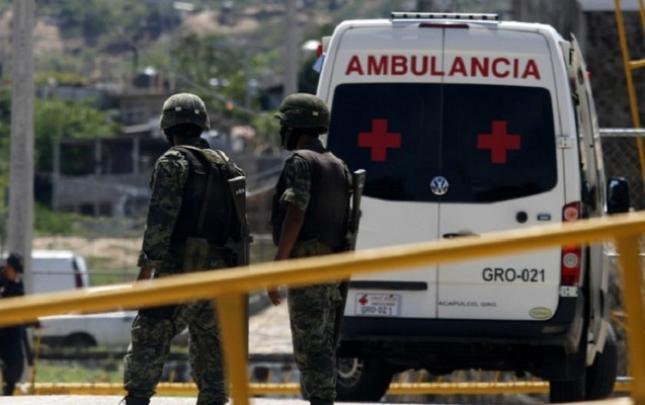 Meksikada avtobus uçuruma düşdü, 7 nəfər öldü