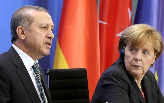 Merkellə Ərdoğan telefonla danışıb