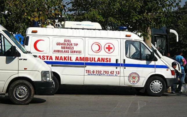 Antalyada turistləri daşıyan avtobus aşdı