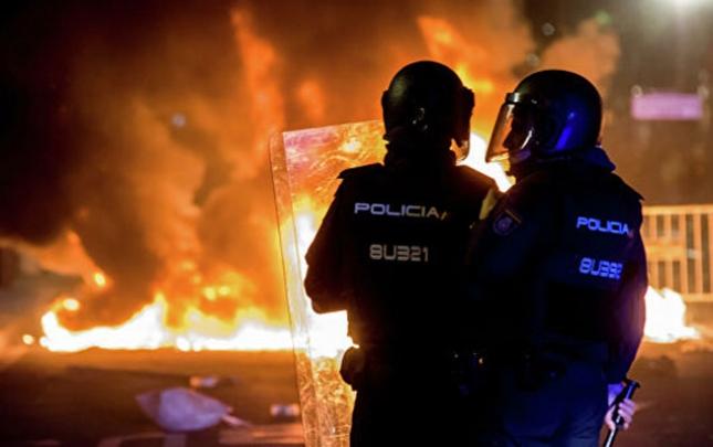 Barselonada aksiyalar başladı, yaralılar var