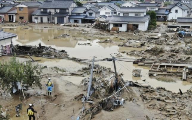 Yaponiyada qasırğa qurbanlarının sayı durmadan artır