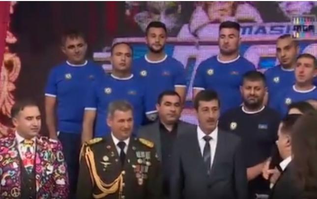 """""""Maşın""""da Qarabağ qazilərinə avtobus bağışlandı"""