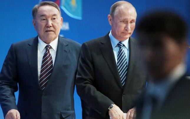 Nazarbayev Putinlə Zelenskini Qazaxıstanda görüşə dəvət etdi