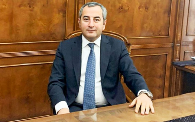"""Vahid Ələkbərov """"LUKOYL-Azərbaycan""""a yeni baş direktor təyin etdi"""