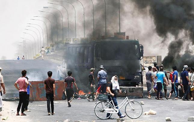 Etirazçılar İraqdakı neft terminallarını bağladılar
