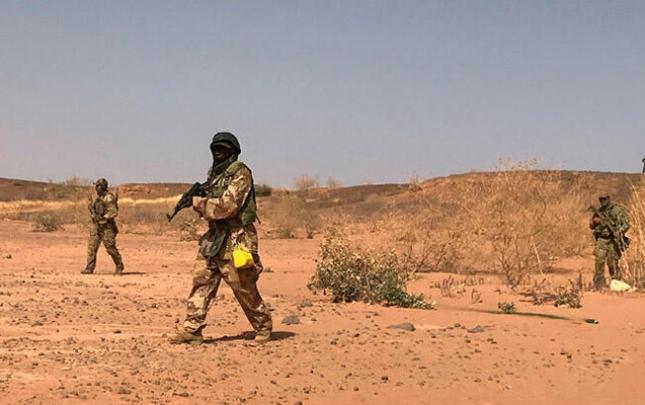 Nigeriyada hərbi bazaya hücum oldu