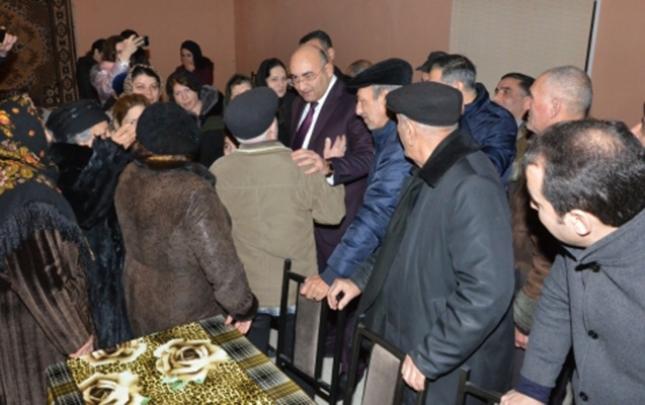 İqbal Ağazadə Mehmandarov küçəsinin sakinləri ilə görüşdü