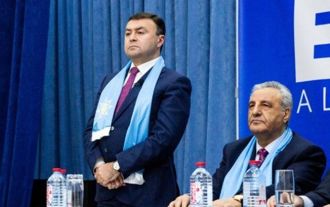 Elnur Allahverdiyevin seçiciləri ilə növbəti görüşü