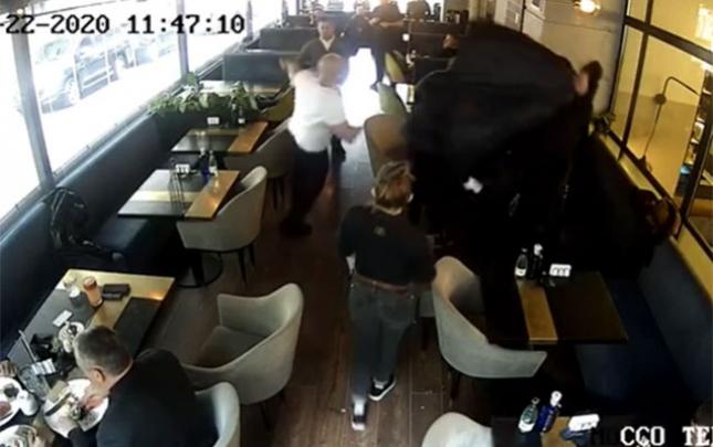 Kiyevdə deputat kafedə davaya qarışdı