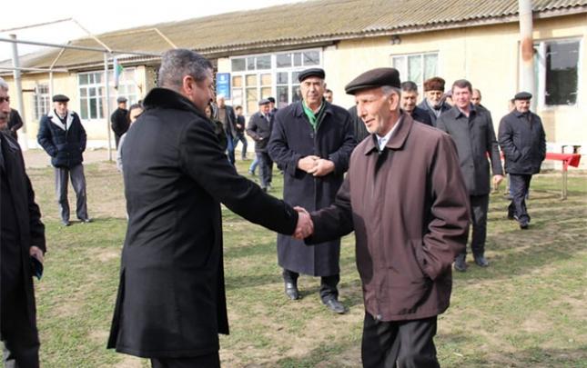 Malik Həsənov bundan sonra da seçicilərin yanında olacağını bildirdi