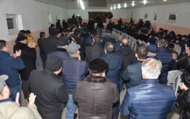 İqbal Ağazadə Mehmandarov küçəsində seçiciləri ilə görüşdü