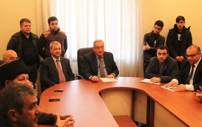 Eldar Quliyev seçiciləri ilə görüşlərini davam etdirir