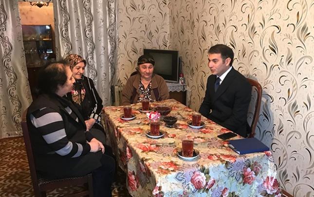 Şəhriyar Bayramov şəhid ailəsini ziyarət etdi