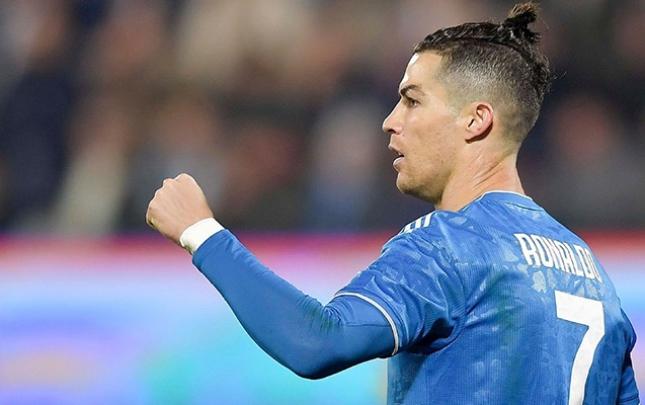 Ronaldo 1000-ci oyununa çıxdı, qol vurdu