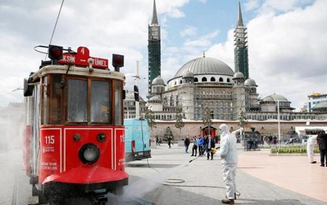 Türkiyədəki səfirliyimiz azərbaycanlıların vəziyyəti ilə bağlı məlumat yaydı