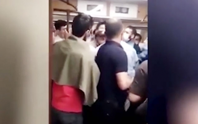 Metroda mübahisə yaradanlar saxlanıldı