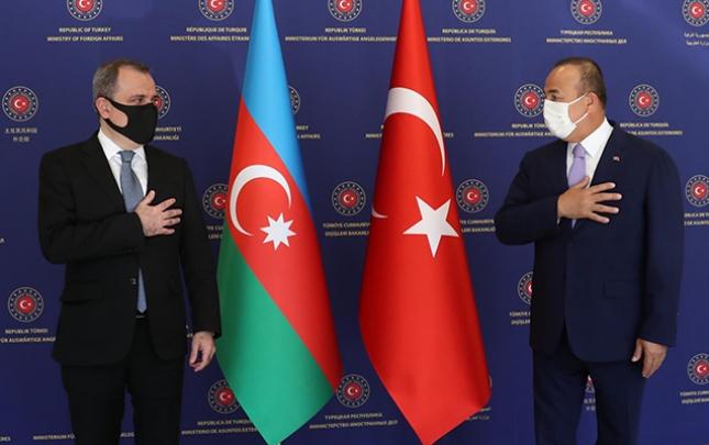 Ceyhun Bayramov Çavuşoğlu ilə bir arada