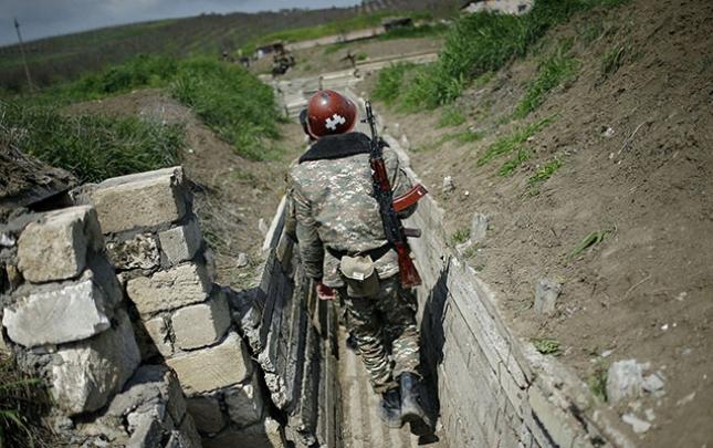 Ermənistanda kişilərin ölkədən çıxışı qadağan edildi
