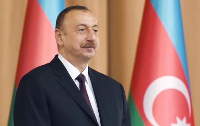 Altınbek Mamayusupov Prezidenti qələbə münasibətilə təbrik etdi