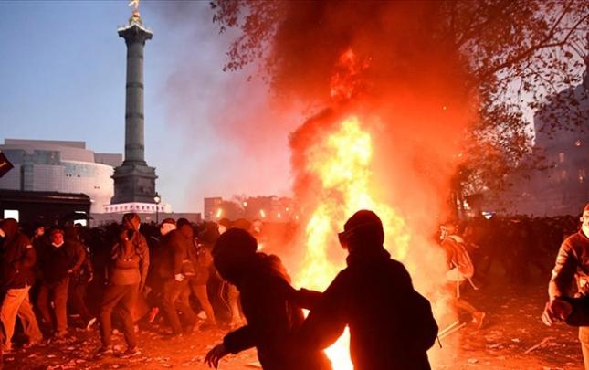 Parisdə kütləvi etiraz aksiyası
