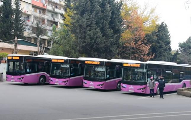 Avtobuslar bir dəqiqəlik sükut zamanı