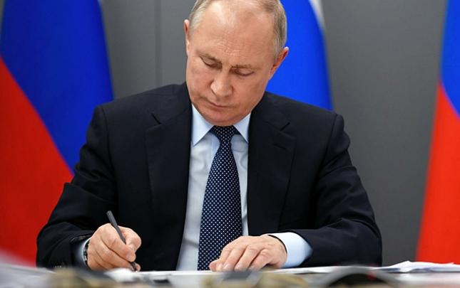 Putin seçkilərin vaxtı ilə bağlı qərar imzaladı