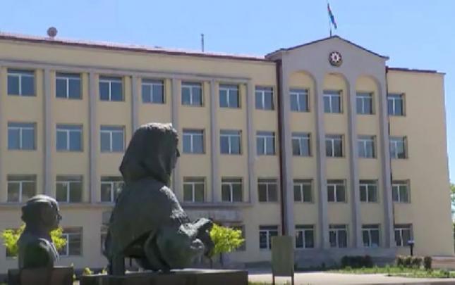 Prezident və ailəsi Şuşada Xüsusi nümayəndəliyin inzibati binasında