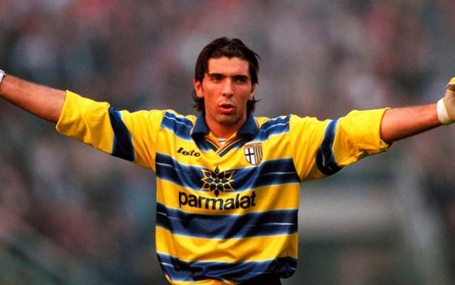 """Buffon """"Parma""""ya qayıtdı"""