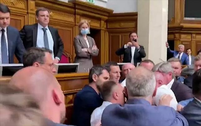 Ukrayna parlamentində dava