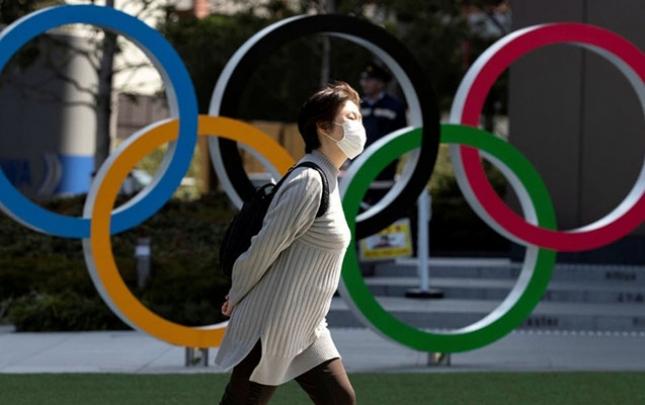 Olimpiadada idmançılar şəkil çəkdirmək üçün maskanı çıxara biləcəklər