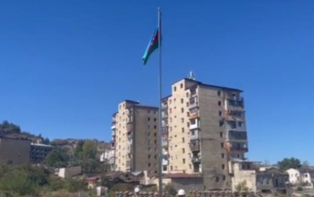 Mais Bərxudarov Şuşada bayrağımızı qaldırdı