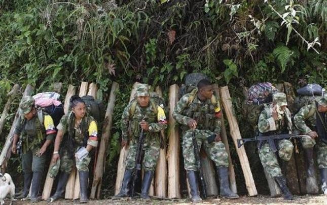 Kolumbiyada 10 yaraqlı öldürüldü