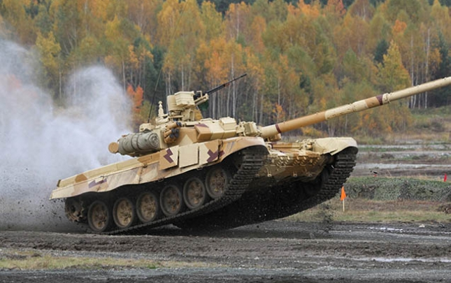 """Rusiya İraqa """"T-90"""" tankı satacaq"""