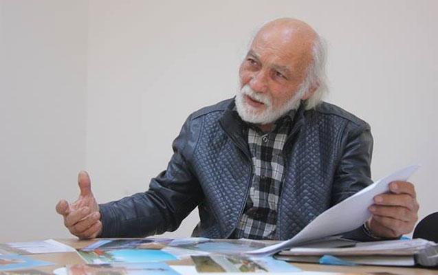 Azərbaycanda heykəltəraş nazirliyi məhkəməyə verdi