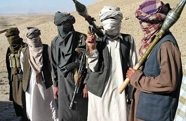 """""""Taliban""""ın 200 döyüşçüsü təslim oldu"""