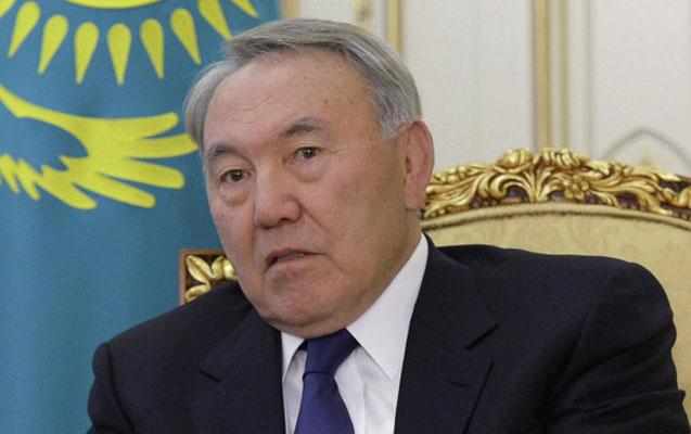 Nazarbayev Şəhidlər xiyabanında
