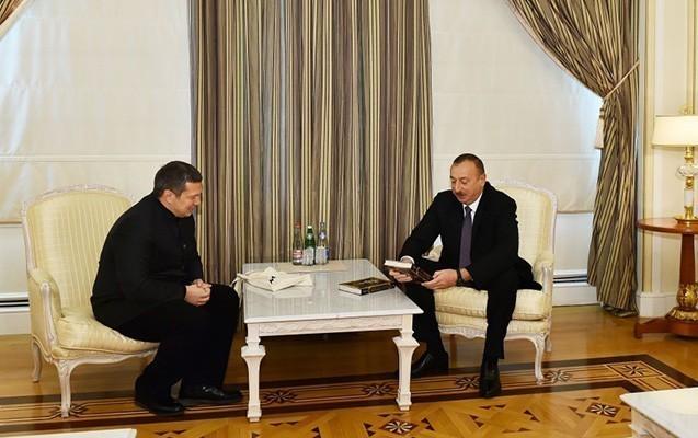 İlham Əliyev tanınmış aparıcı ilə görüşdü