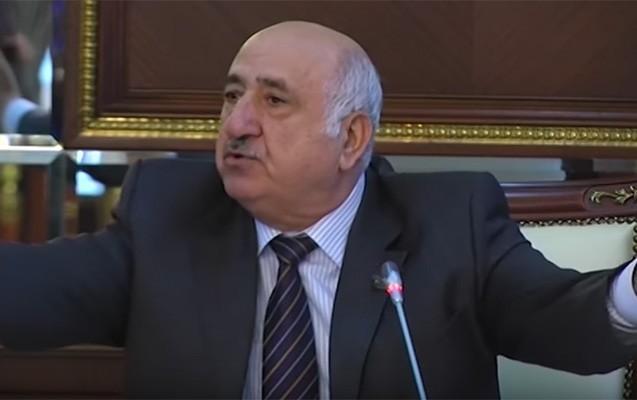Xaricdə müalicə olunan Abramov parlamentə qayıtdı