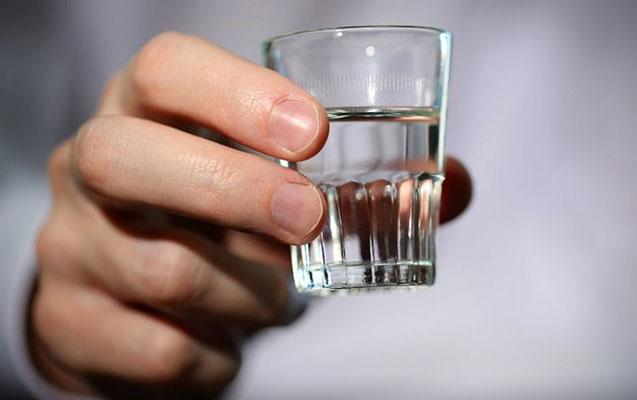 52 yaşlı kişi spirtli içkidən komaya düşdü