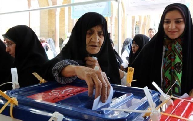İranda 200 nəfər prezidentliyə namizədliyini irəli sürüb