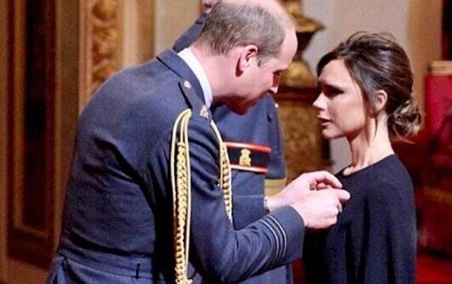 Şahzadə Uilyam Viktoriya Bekhemi mükafatlandırdı