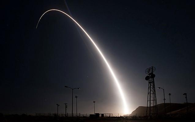 ABŞ ballistik raketi sınaqdan keçirdi