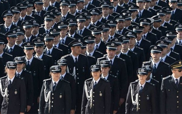 Türkiyədə 9103 polis işdən qovuldu