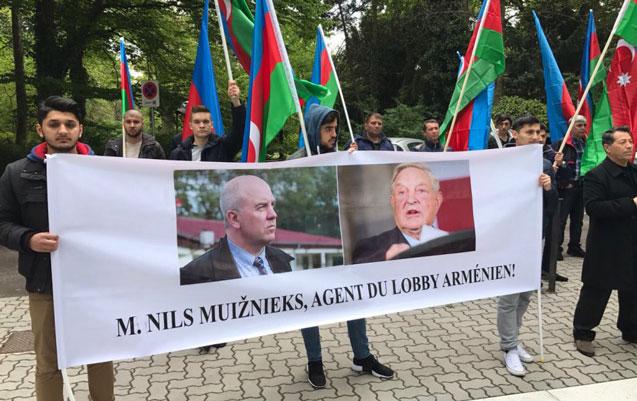 Azərbaycan diasporu Strasburqda aksiya keçirib