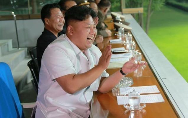 Şimali Koreya lideri bu futbol komandasına azarkeşlik edir